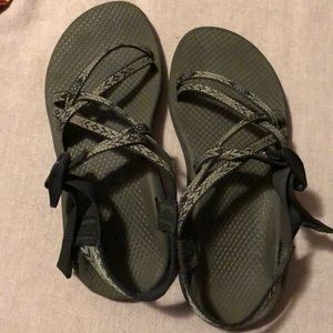 chacos size 7